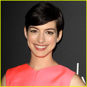Anne Hathaway Set to Present at Oscars 2014!