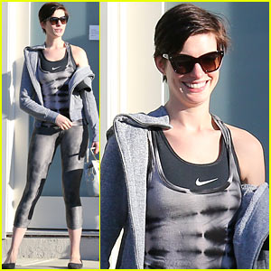 Anne Hathaway Wears Her Workout Gear For Friendly House Call