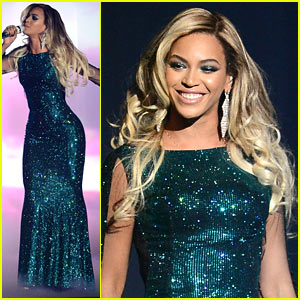Beyonce Performs 'XO' at BRIT Awards 2014 (VIDEO)