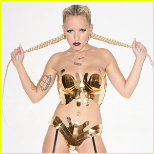 Brooke Candy Signs Record Deal with RCA Records!