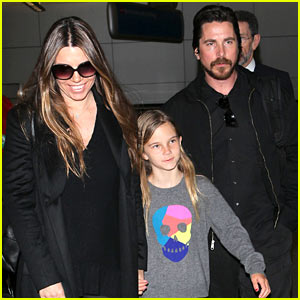 Christian Bale: Back from Berlin with Family in Tow!
