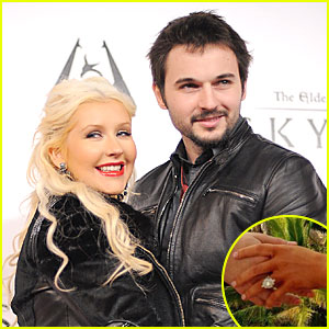 Christina Aguilera: Engaged to Matthew Rutler - See Engagement Ring Pic!