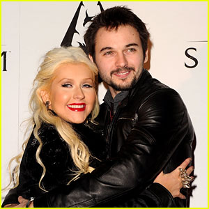 Christina Aguilera: Pregnant with Fiance Matthew Rutler's Baby!