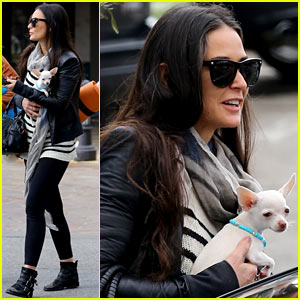 Demi Moore Takes Her Tiny Dog to Yoga Class