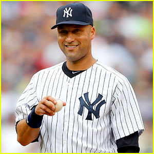 Derek Jeter Announces Retirement from Baseball After 2014