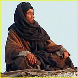 Ewan McGregor: 'Last Days in the Desert' First On Set Pictures!