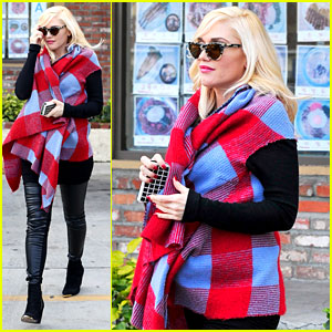 Gwen Stefani Bundles Up Baby Bump After Acupuncture