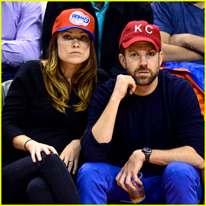 Jason Sudeikis Beats Olivia Wilde on 'Hollywood Game Night'!