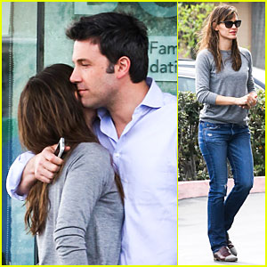 Jennifer Garner Wrapped Up By Ben Affleck at Broad Stage Theatre!