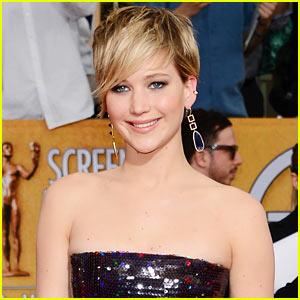 Jennifer Lawrence Presenting at Oscars 2014!