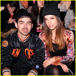Joe Jonas & Blanda Eggenschwiler: Custo Barcelona Fashion Show Sweeties!