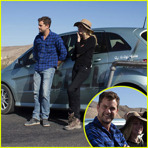 Joshua Jackson & Diane Kruger Survive Death Valley Only on Water Emitted from Their F-Cell Car (Video)