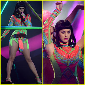 Katy Perry Performs 'Dark Horse' at BRIT Awards 2014 (Video)