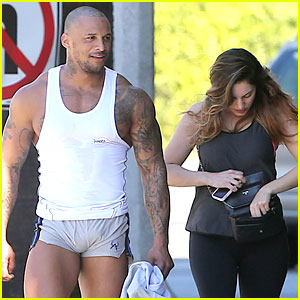 Kelly Brook's Boyfriend Leaves Little to the Imagination in Tight Short Shorts!