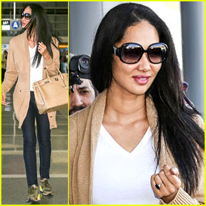 Kimora Lee Simmons Flashes Her Ring After Secret Wedding