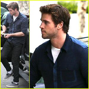 Liam Hemsworth Takes 'Mockingjay' Filming Break in California