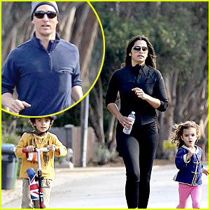 Matthew McConaughey & His Family Work on Fitness Together!