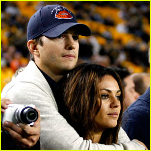 Mila Kunis & Ashton Kutcher: Engaged!
