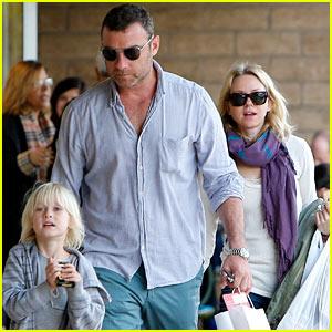 Naomi Watts & Liev Schreiber Make it a Family Day!