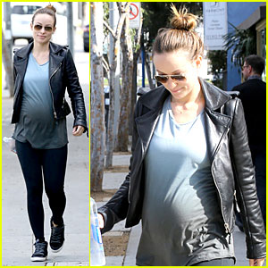 Olivia Wilde: 1.2 Billion Wings Will Be Consumed on Super Bowl Sunday!