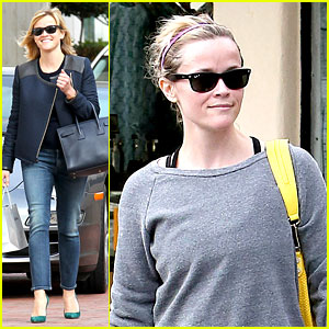 Reese Witherspoon Tells Her Mom's Favorite Joke - Watch Now!