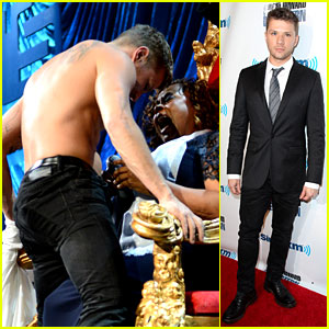 Ryan Phillippe Gives Shirtless Lap Dance to Robin Quivers! (Photos & Video)
