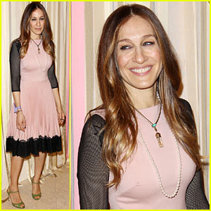 Sarah Jessica Parker Celebrates Shoe Line with Pop Up Shop Opening!
