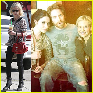 Sarah Michelle Gellar Reunites with 'Buffy' Co-stars Seth Green & Michelle Trachtenberg!