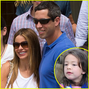 Sofia Vergara & Nick Loeb: Sydney Zoo Trip with 'Modern Family' Co-Stars!