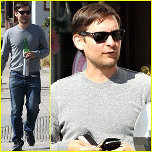 Tobey Maguire Gets in Some Guy Time, Lunches with a Pal