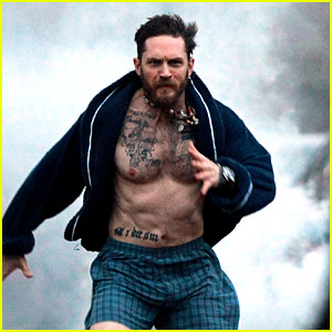 Adélaïde Rookwood | J'ai tout à fait conscience que je vis dans un monde imaginaire. - Page 2 Tom-hardy-runs-shirtless-in-his-boxers-for-stand-up-to-cancer
