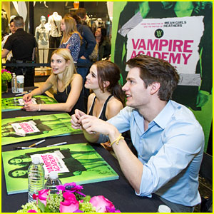 Zoey Deutch & Dominic Sherwood: 'Vampire Academy' San Francisco Meet & Greet