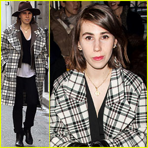 Zosia Mamet Gets Front Row View at Carven Fashion Show!