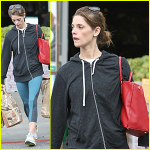 Ashley Greene Demonstrates How Strong Her Arms Are at Bristol Farms!
