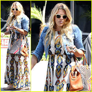 Busy Philipps' Singing Is a Thrilling Adventure That You Must See!