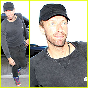 Chris Martin Shows His Lovely Heart By Creating Art For Upbeat Music!
