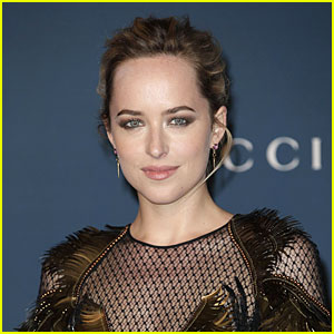 Dakota Johnson Is In Talks to Play Johnny Depp's Hot Lover in 'Black Mass'!