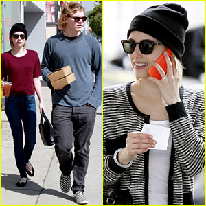 Emma Roberts' Engagement Ring is the Perfect Accessory for Outing with Evan Peters!