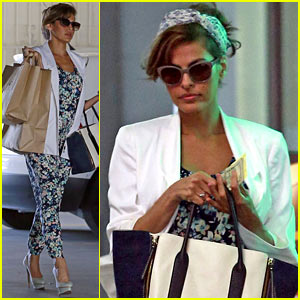 Eva Mendes Looks Ready for Spring in a Cute Floral Jumpsuit!