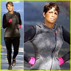 These Photos of Halle Berry Working Out Are the Motivation You Need to Hit the Gym This Weekend