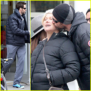 Hugh Jackman Gives a Sweet Kiss to Wife Deborra-Lee Furness!