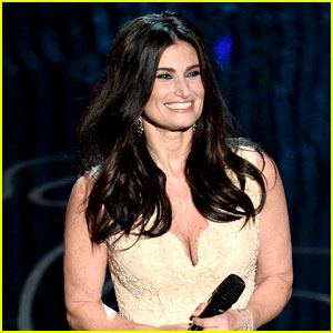 Idina Menzel Makes Billboard History with Frozen's 'Let it Go'!