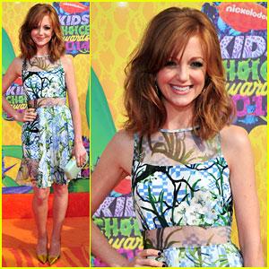 Jayma Mays Supports 'Smurfs' at Kids' Choice Awards 2014!