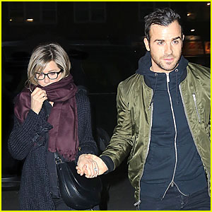 Jennifer Aniston & Justin Theroux Hold Hands on Romantic NYC Night!