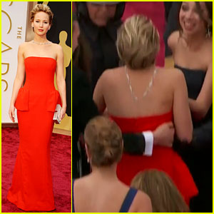 Jennifer Lawrence Falls on Oscars Red Carpet