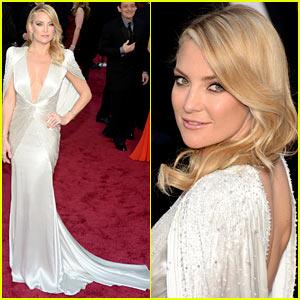 Kate Hudson Rocks Plunging Neckline on Oscars 2014 Red Carpet!