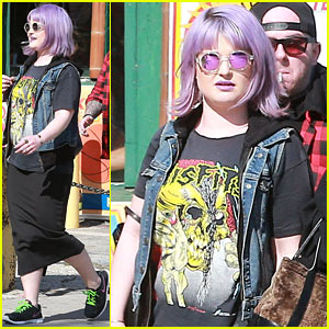 Kelly Osbourne Gets Back to Her Rocker Roots in a Misfits Band T-Shirt!