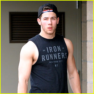 Nick Jonas Flashes His Big Biceps at the Gym!