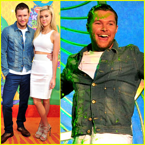 Nicola Peltz Lets Jack Reynor Get Slimed at Kids' Choice Awards 2014!