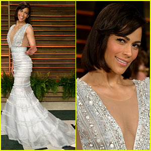 Paula Patton Looks in Great Spirits at Vanity Fair Oscars Party 2014!